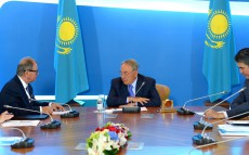 Meeting with President of the Supervisory Board of Polpharma Jerzy Starak within the framework of the foreign investors council under the President of Kazakhstan