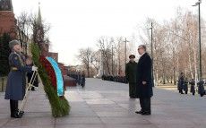 Participation in ceremony of laying flowers to the Tomb of the Unknown Soldier